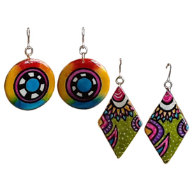 Abstract Gourd Earrings - Wheel Design and Diamond Crafted by Artisans in Colombia Wheel Pendant Measures 1 1/2'' circumfrence with 2 3/8'' drop Abstract Diamond Pendant Measure  2'' h x 1 1/8'' w with 2 3/4'' drop