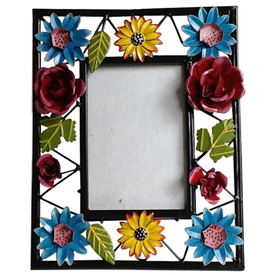 Flower Photo Frame crafted by Artisans in India<br width=275 >Inside Measures for 4 x 6 Photo Frame Measures 10 1/2 high x 8 1/2 wide x 2 1/2 thick